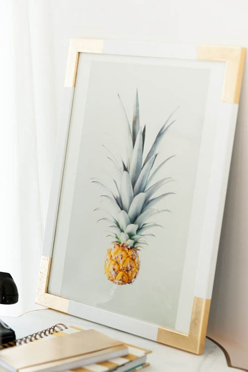 home-decor-diy-gold-frame-pineapple-chic