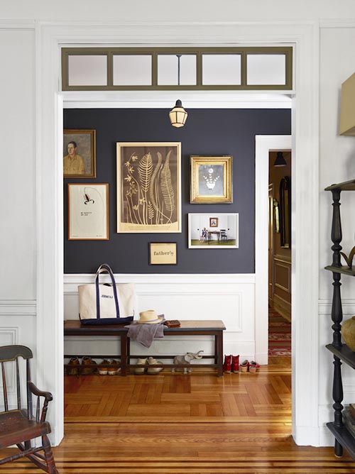 home-decor-navy-foyer-white-farmhouse-wall-gallery