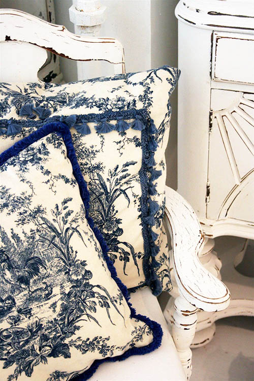 chinoiserie-decorative-pillow-french-toile-country-chic