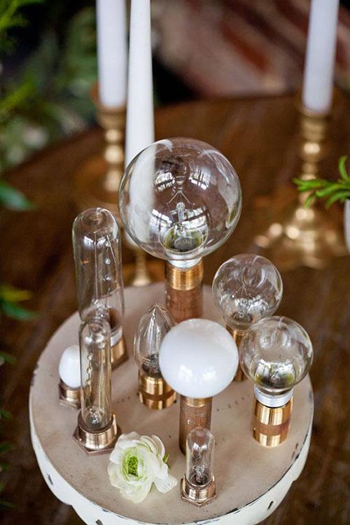 wedding-centerpiece-gold-light-bulb-unique