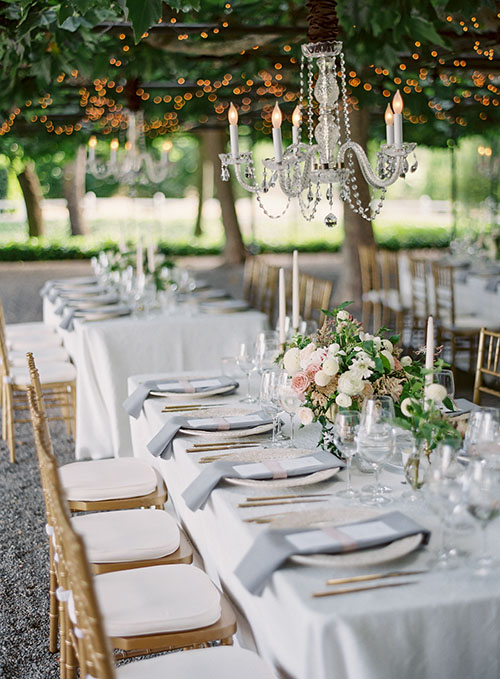 wedding-spring-tablesetting-with-white-green-garden