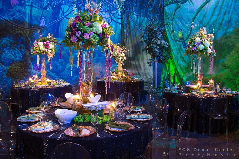 wedding-tablescape-blue-pink-luxurious-glamorous-flowers-venue-banquet-dinner-reception