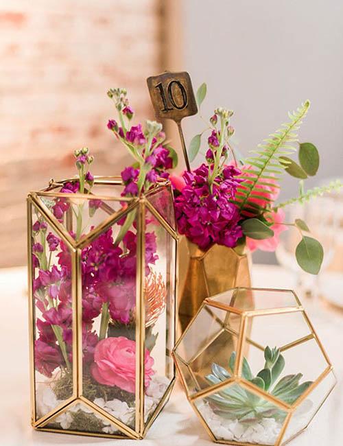 wedding-tablesetting-centerpiece-gold-pink-hexagon-geometric