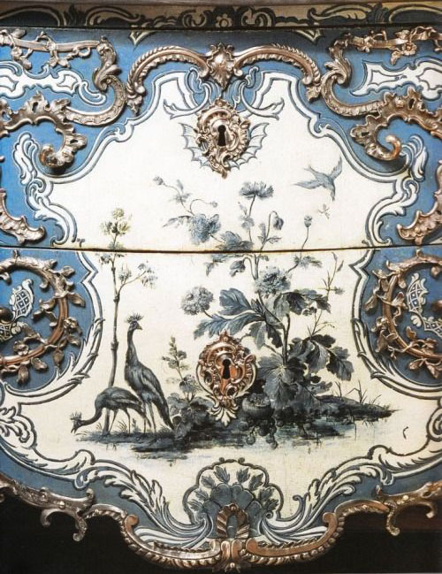 bombe-chest-dresser-blue-white-chinoiserie-english-french-floral-nature-home-decor