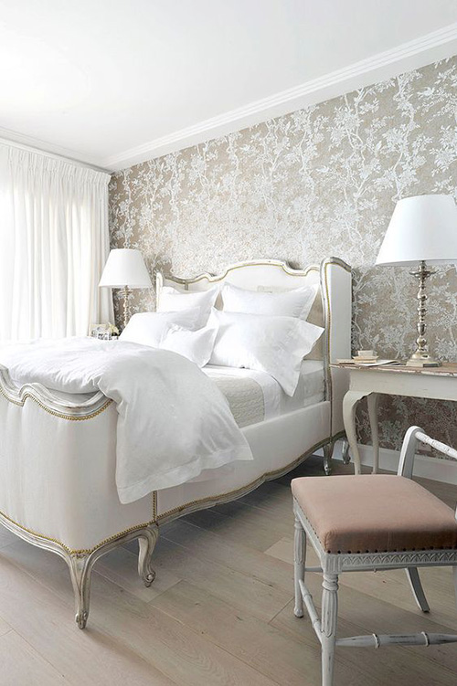 elegant-metallic-wallpaper-floral-bedroom-white