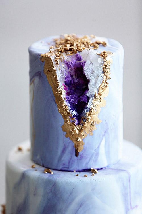 ultraviolet-Geode-purple-glitter-wedding-cake