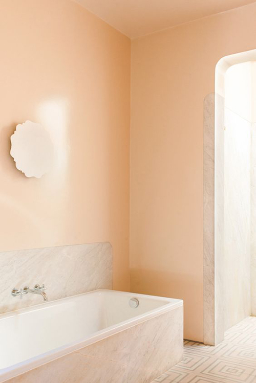 7 ways to refresh your spring home decor 2018 for Peach bathroom decor