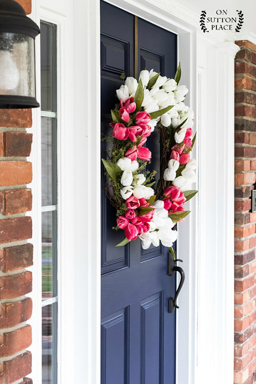 diy-spring-tulip-wreath-navy-door
