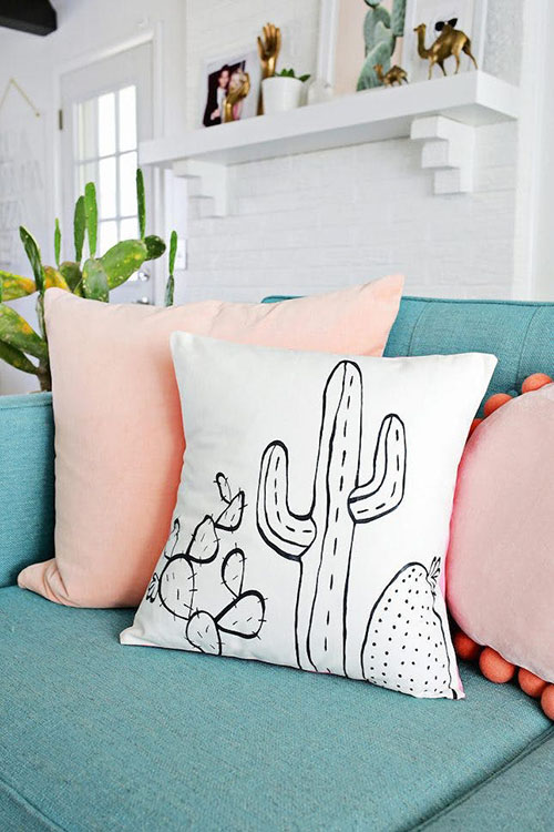 succulent-pillow-spring-home-decor