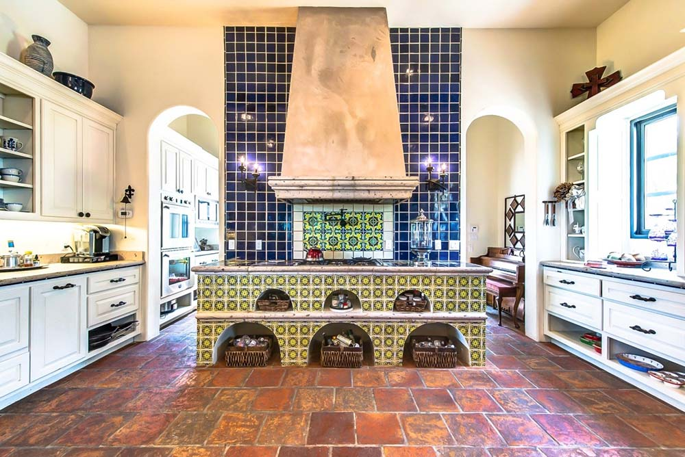 talavera-tile-kitchen-decor