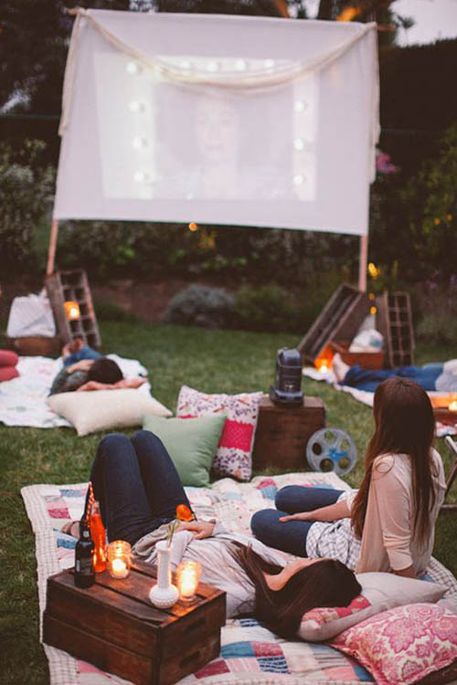 Summer-Boho-chic-picnic-late-night-movie