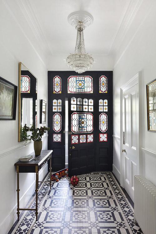 home-decor-interior-hallway-chandelier