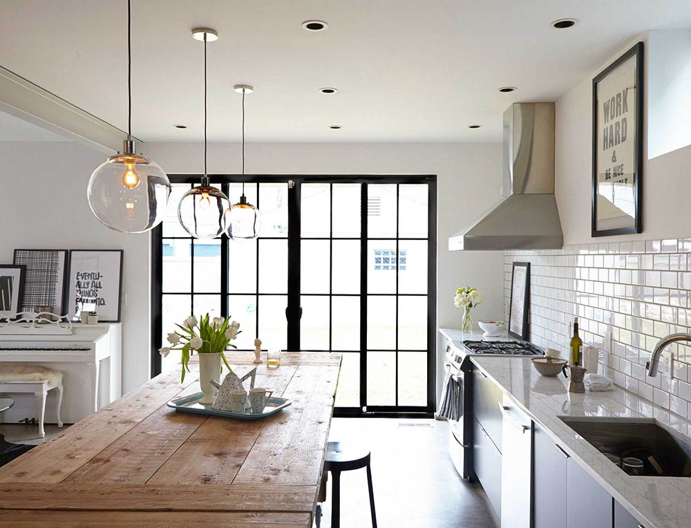 modern-kitchen-table-with-pendant-globe