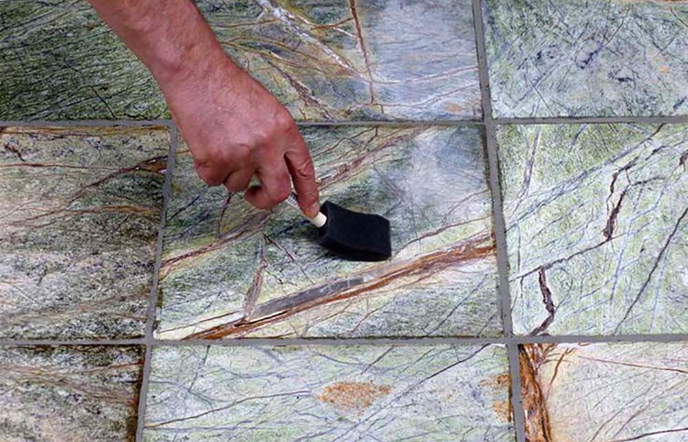 sealing-and-staining-grout