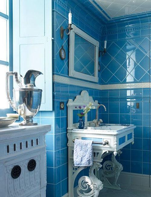 blue-ornate-bathroom