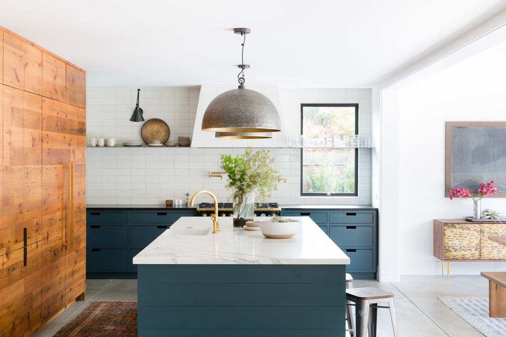 gold-modern-kitchen-faucet