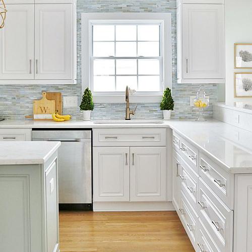 Sophisticated-Coastal-Kitchen