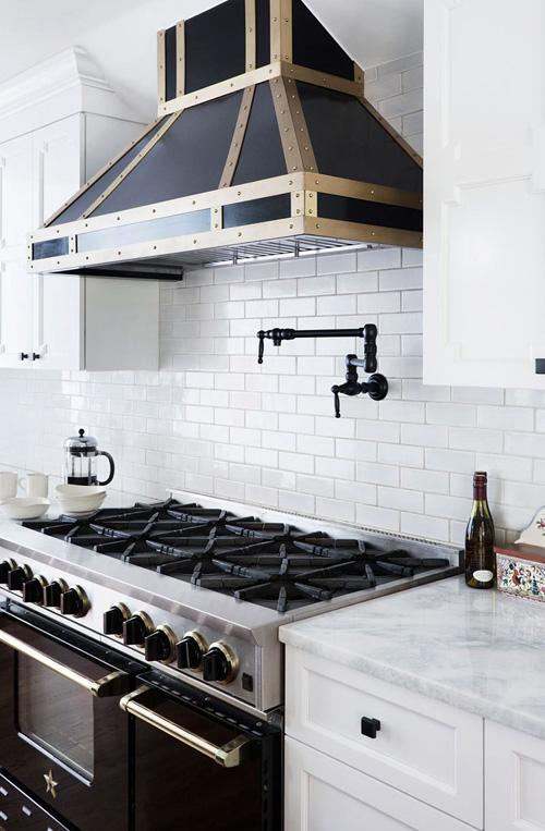 how-to-design-your-kitchen-on-a-budget-tiles-backsplash