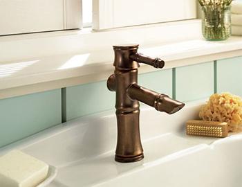 danze-faucet-d225545-bath-room-scene