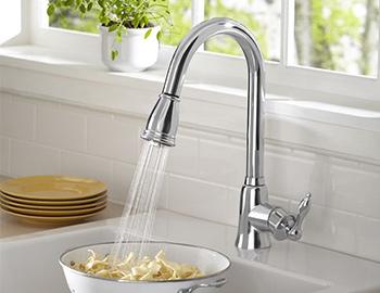 danze-pull-down-kitchen-faucet-room-scene