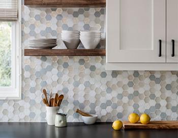 Oceanside-Glasstile/oceanside-glass-tile-tessera-hexagon-hatter-kitchen-lifestyle