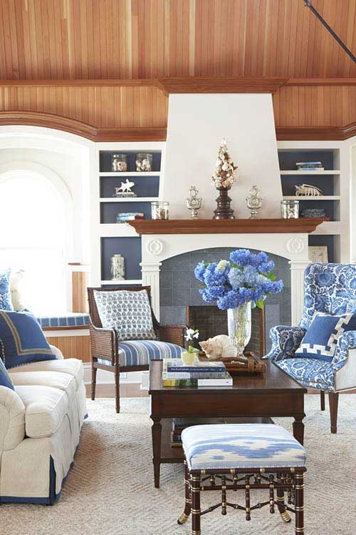 chinoiserie-chic-decorative-pillows-living-room