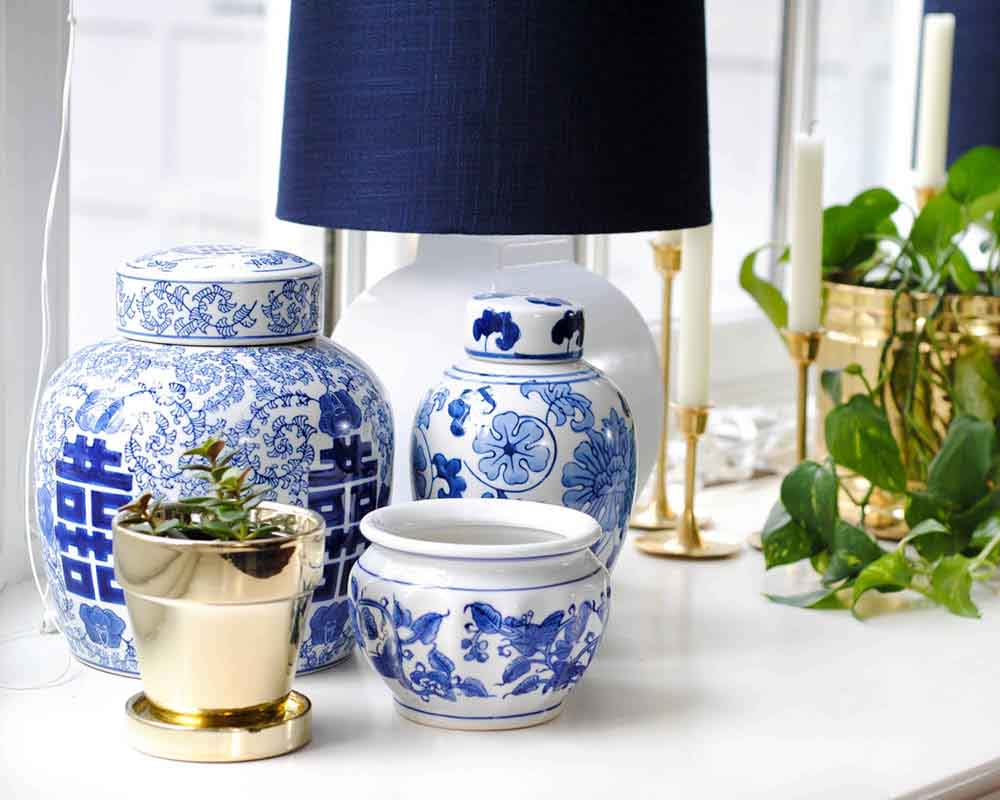chinoiserie-chic-ginger-jars-white-and-blue