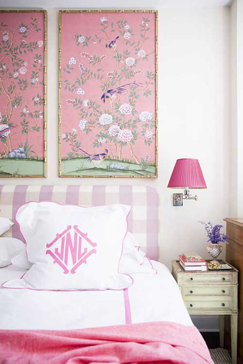 chinoiserie-chic-wall-art-bedroom-bed-pink
