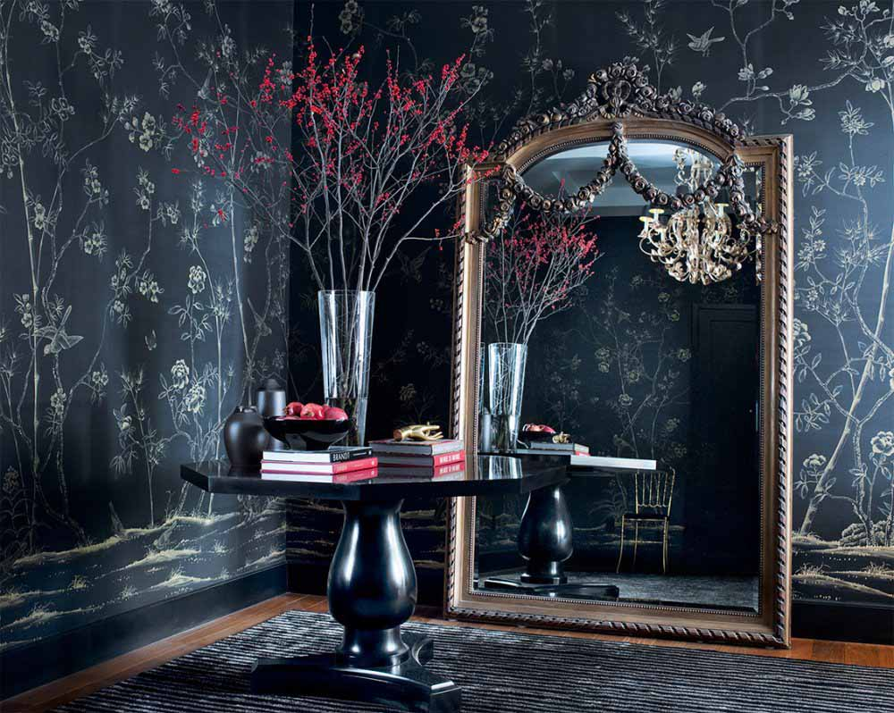 chinoiserie-chic-wallpaper-dark-mood