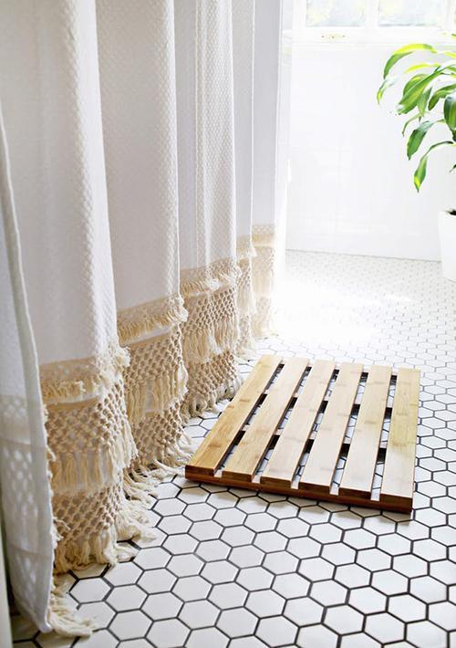 fringe-curtain