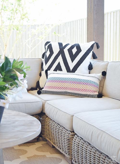 fringe-pillow